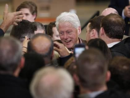 Bill Clinton perde le staffe e attacca Sanders