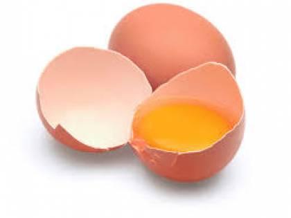 La strana striscia bianca nell'uovo crudo? Ecco cosa è