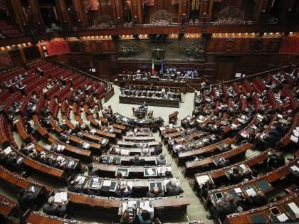 Così Camera e Senato raddoppiano gli stipendi ai commessi