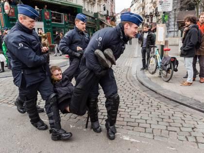 """Wilders lancia il """"safari dell'islam"""" ma il sindaco di Molenbeek lo vieta"""