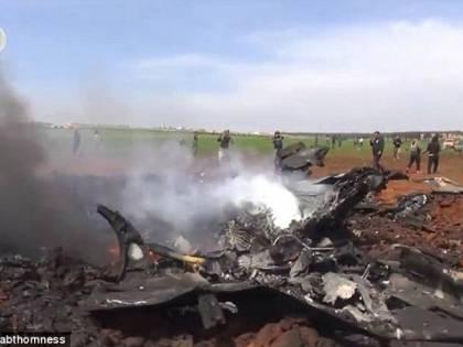 Siria, al-Qaeda abbatte caccia governativo, sequestrato il pilota