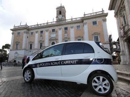 Roma come Codogno, vigili urbani con il megafono per far rispettare il decreto