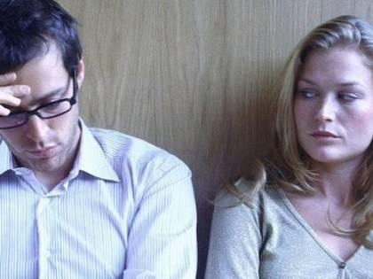 Apre la posta della ex moglie e i giudici gliela fanno pagare
