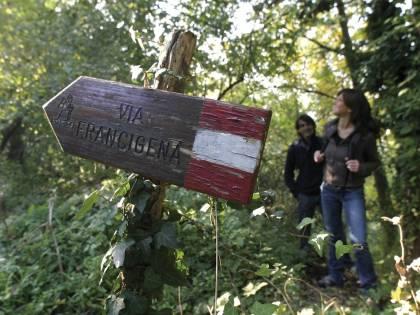 """Dieci """"cammini della fede"""" in Emilia Romagna: arriva la cartoguida"""