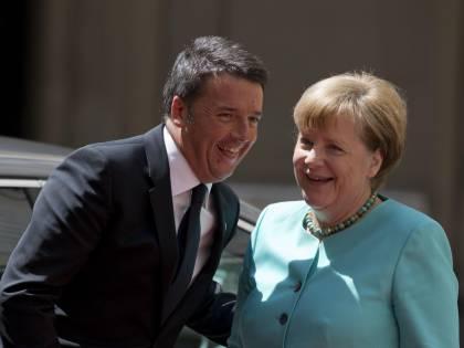 """Migranti, asse Renzi-Merkel: """"L'Austria è fuori dalla storia"""""""