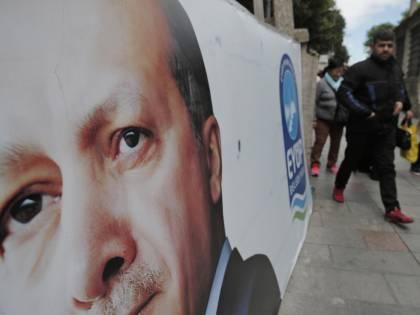 """Turchia, tra le accuse di """"golpe"""" parlamento al voto sull'immunità"""