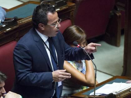 Gianluca Buonanno morto, un consigliere di Sel lo insulta