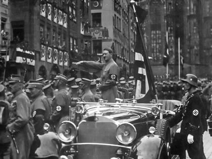 Il Mein Kampf in edicola:  tutto quello che non sapete