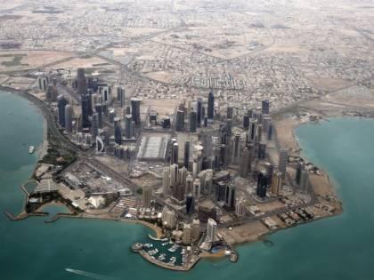 Qatar, a rischio l'economia e i mondiali di calcio