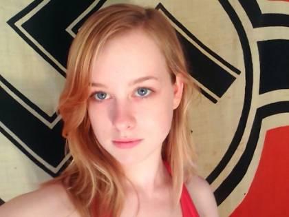 """""""Ammazziamo la Merkel"""". Ecco il concorso """"Miss Hitler"""""""