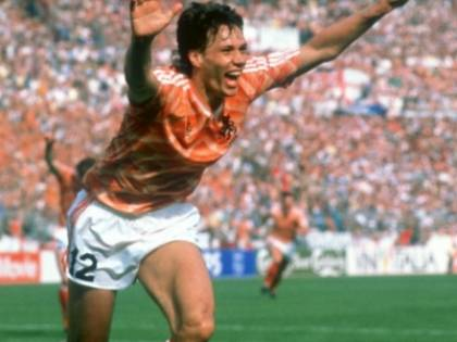 1988, è l'Europeo di Gullit e Van Basten. L'Unione Sovietica chiude un'epoca