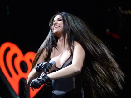 """Selena Gomez si ritira dalla scena: """"Sono malata. Devo curarmi"""""""