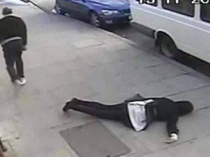 Ragazza presa a pugni per strada: torna l'incubo knockout game