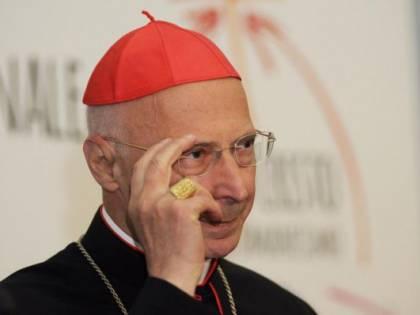 """Genova, cardinal Bagnasco: """"La Chiesa apre le porte a tutti"""""""