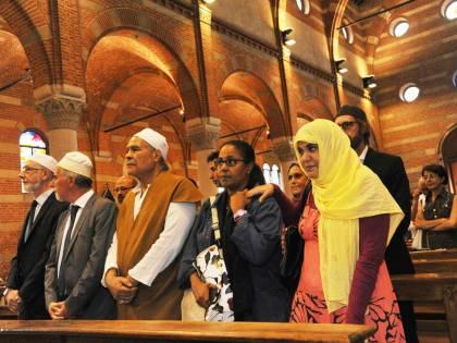 Prete sgozzato, islamici a Messa con i cattolici