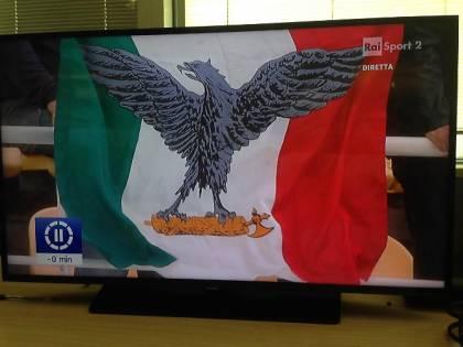 Rio, bandiera fascista nel match di pallavolo