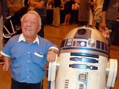 Addio a Kenny Baker, il robot R2-D2 della saga di Star Wars
