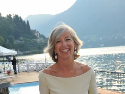 """Il ministro Giannini: """"Crocifissa per il topless"""""""