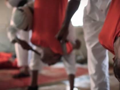 L'Isis celebra la festa del sacrificio macellando prigionieri come bestie