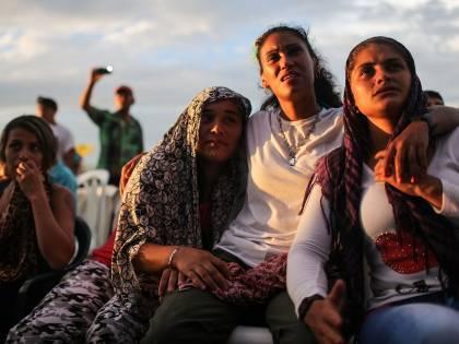 Ribelli delle Farc festeggiano accordo con la Colombia