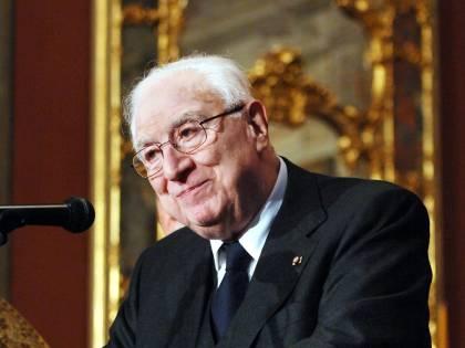 """Francesco Cossiga e """"l'utopia"""" giuridica che l'Italia di oggi sta ancora cercando"""
