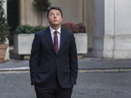 """Ora Renzi si affida a un guru. E punta 400mila euro sul """"sì"""""""