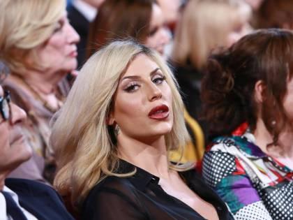 """Paola Caruso attaccata dal suo ex: """"C'è da vergognarsi a stare con te"""""""