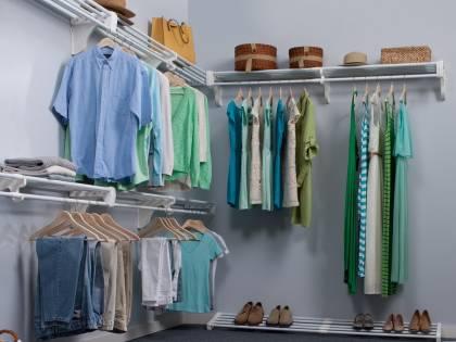 Cambio dell'armadio stagionale: consigli e idee salva spazio