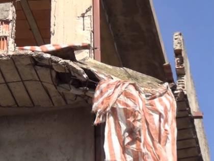 Calabria, donna muore travolta dal crollo di un balcone