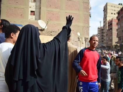 Manifestanti pro-Morsi in corteo a Giza