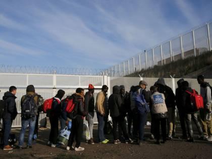 """Il Messico sfida DonaldTrump: """"Aiuteremo i nostri cittadini"""""""