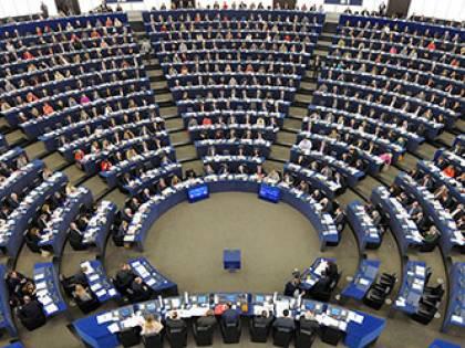 """Parlamento Ue condanna la Polonia anti-aborto: """"Sessualità non è crimine"""""""