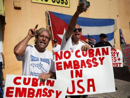 Dissidenti contro la Mogherini: 'Sta aiutando il regime di Cuba'