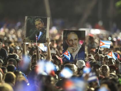 L'ultimo saluto a Fidel Castro a Santiago
