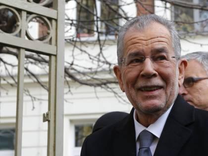 In Austria vince Van der Bellen, l'europeista che difende i migranti