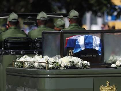 Il corteo funebre di Fidel Castro a Santiago