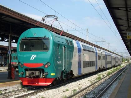 Si masturba in treno davanti a un bambino di 5 anni: fermato un marocchino