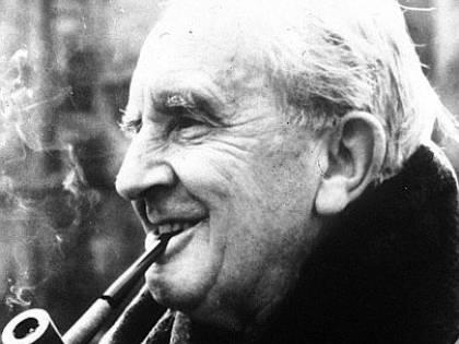 """Tolkien, il """"prof"""" appassionato di fantastico che trasformò un hobby in hobbit"""