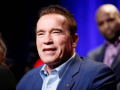 Arnold Schwarzenegger salva una donna di 102 anni dallo sfratto