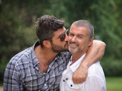"""""""George Michael si è suicidato"""": i tweet del compagno Fadi Fawaz"""