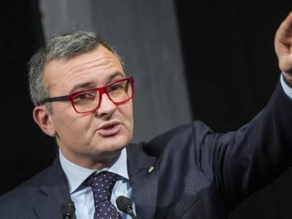 """I 41 sottosegretari di Gentiloni: è """"fotocopia"""" del governo Renzi"""