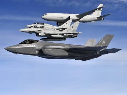 """Hacker russi contro l'Aeronautica: """"Cercavano i segreti degli F-35"""""""