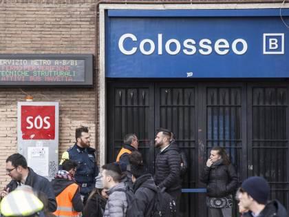 Terremoto, panico a Roma: chiusa metropolitana, evacuate scuole e uffici
