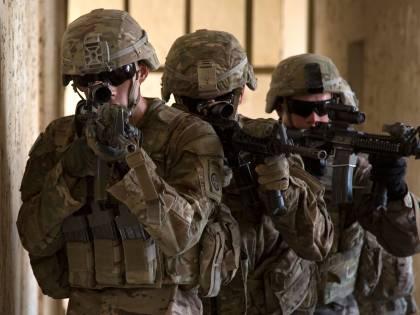 Trump cancella ogni dubbio: ora basta trans nell'esercito Usa