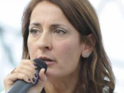 """Ruocco avvisa Di Maio: """"No al governo per forza. E pensi alle dimissioni…"""""""