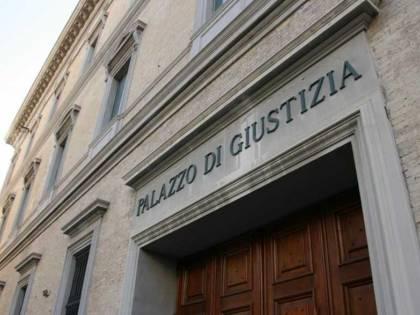 Ancona, trovato pacco bomba dentro una borsa vicino al tribunale