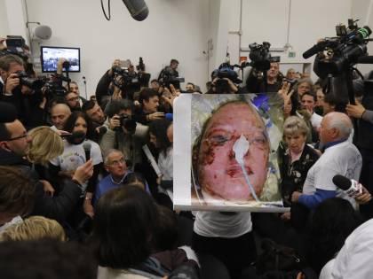 """I parenti delle vittime di Viareggio: """"I veri condannati siamo noi"""""""