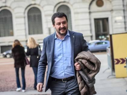 'Privilegiato', 'Lavoro da 20 anni' Scontro tra Salvini e Gramellini