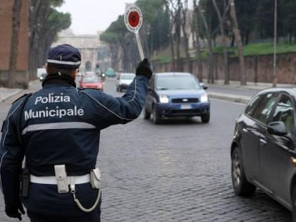 Roma, vigilessa assenteista a Capodanno salva per un cavillo