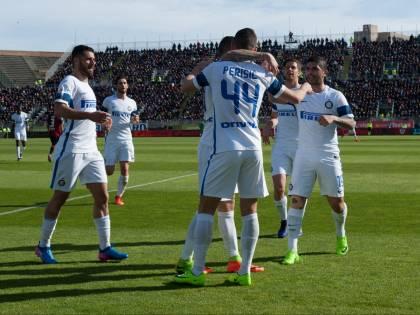 Inter, manita al Cagliari: nerazzurri a -6 dalla Champions League